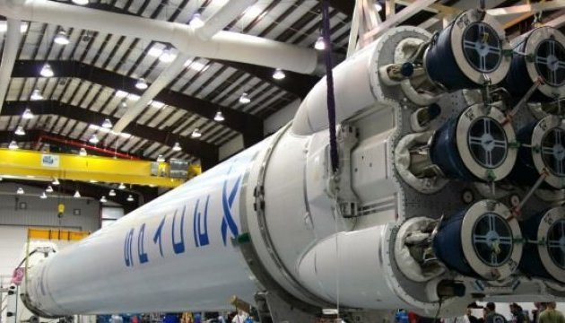 Ukraine's Antonov helps SpaceX transport rocket hardware