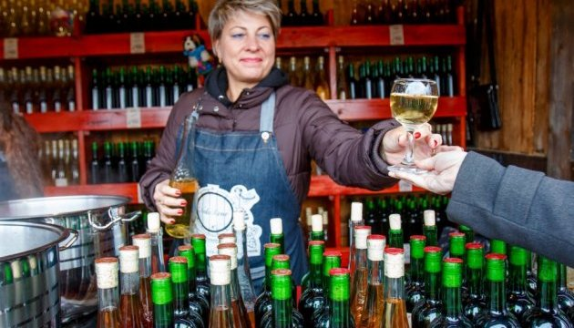 На Закарпатье бесплатно наливают лучшие местные вина