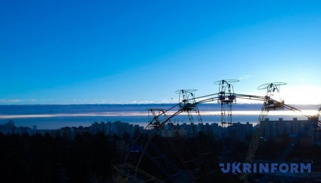 Киев вечерний и Киев дневной: фото с высоты птичьего полета