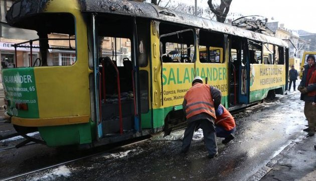 В Одессе сгорел трамвай, пассажиры выскакивали из окон