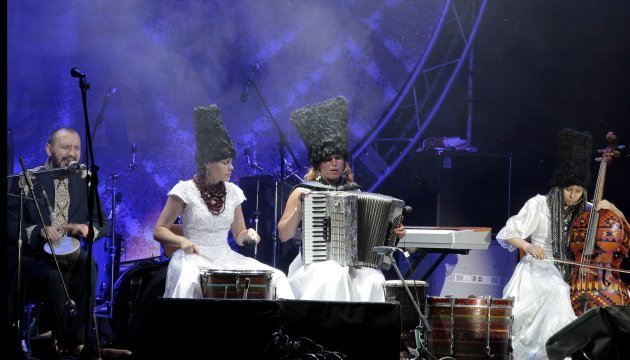 大卫•贝克汉姆在其个人品牌广告中使用乌克兰乐队的歌曲