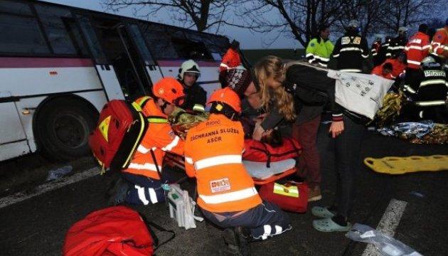 МЗС з'ясовує, чи є українці серед постраждалих у ДТП під Прагою
