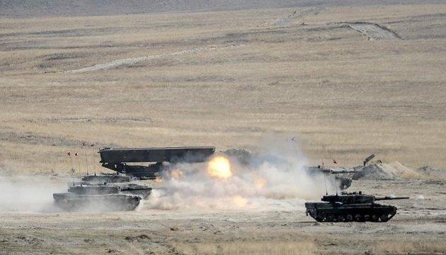 Турецкие военные атаковали позиции курдов на севере Сирии