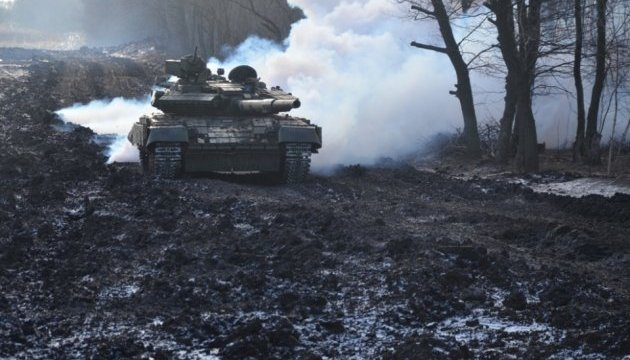 В районе АТО провели танковый экзамен