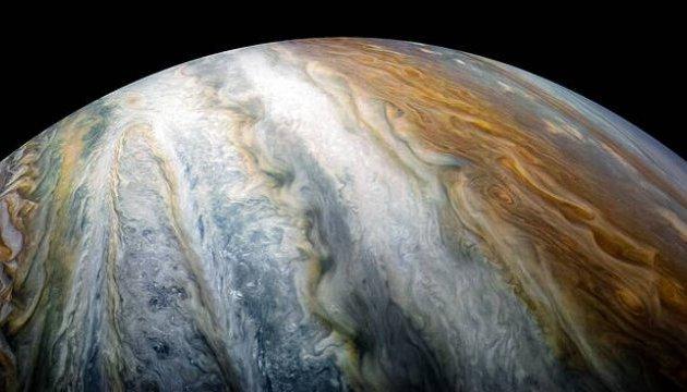 NASA показало пояс хмар на південному полюсі Юпітера