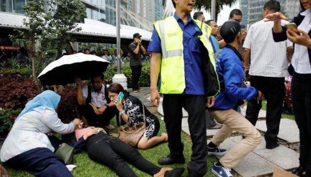 В Індонезії обвалився другий поверх фондової біржі, десятки постраждалих