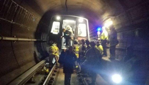Аварію в метро у Вашингтоні могла спричинити пошкоджена рейка