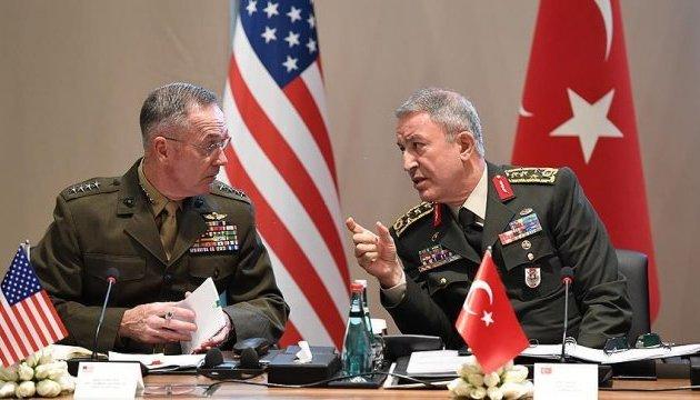 Туреччина та США ведуть перемовини щодо створення зоні безпеки в Сирії