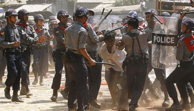 В ЕС хотят новых санкций для властей Мьянмы