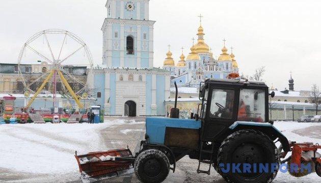 У КМДА розповіли як борються зі снігом на дорогах