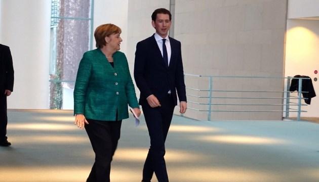 """""""Жесткий Brexit"""" и миграция: Меркель и Курц обсудили темы неформального саммита"""