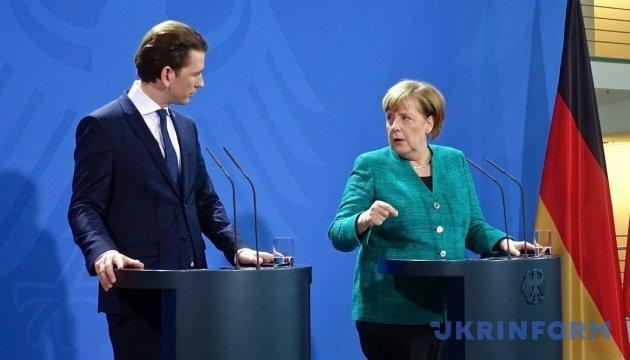 Меркель сказала, що думає про «молодих і незвичайних» політиків як Курц