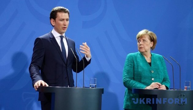 Канцлеры ФРГ и Австрии не договорились о миссии спасения в Средиземном море
