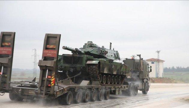 Туреччина стягує танки на кордон з Сирією