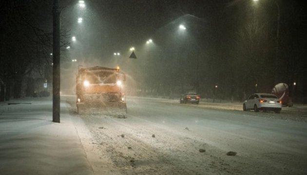 Рятувальники знову попереджають про снігопади і хуртовини