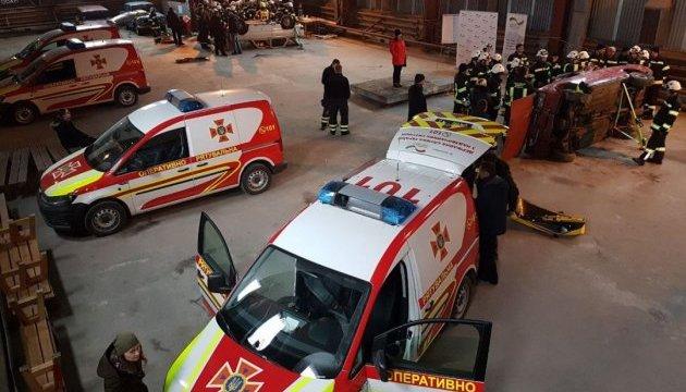 Німеччина передала ДСНС 10 унікальних аварійно-рятувальних машин