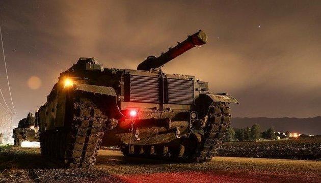 Турция перебросила к границе с Сирией спецназ и танки
