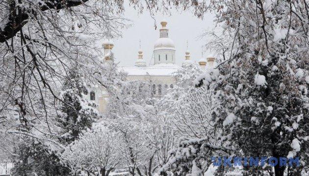 Харківщину засипає снігом - місцями перемети до 70 см