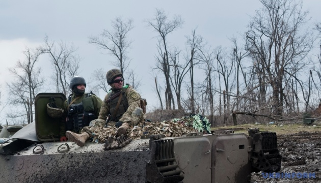 Ostukraine: Troizke fünf Stunden lang unter Beschuss des Feindes