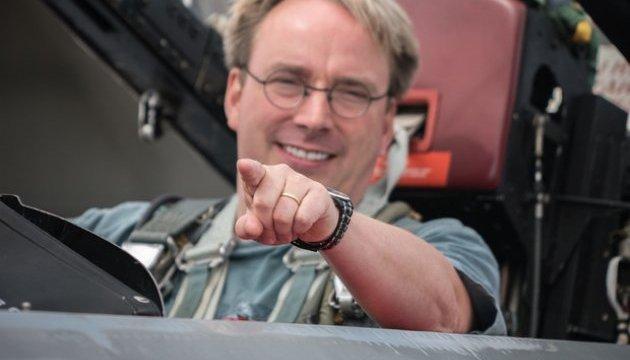 Творець Linux вважає, що Intel створює видимість роботи, щоб уникнути судів