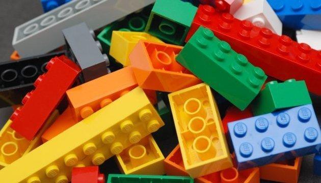 Розвиваємося з задоволенням: 4 поради, як вибирати іграшки