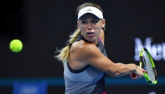 Возняцки обыграла Суарес Наварро и вышла в полуфинал Australian Open