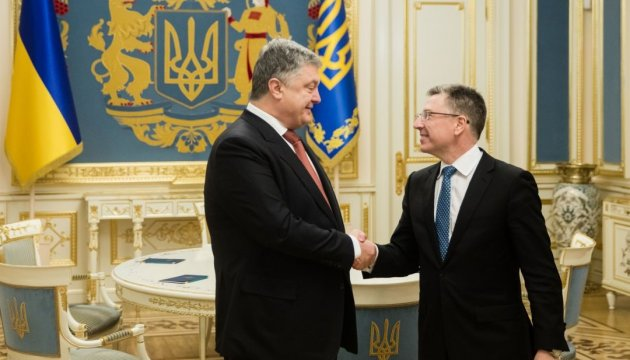 Poroshenko, Volker discuss release of hostages, UN peacekeepers in Donbas
