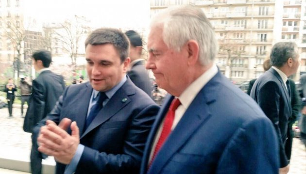 Klimkin meets with Tillerson in Paris