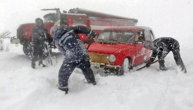 Gebiet Saporischschja: 750 Menschen aus Schneeverwehungen befreit