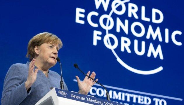 Меркель у Давосі застерегла від протекціонізму та