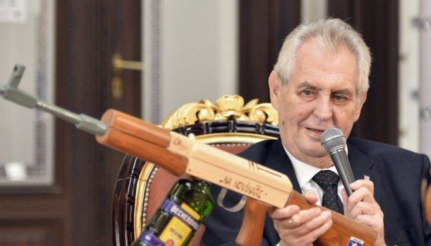 Оружейные сделки: журналисты нашли компромат на финансиста Земана