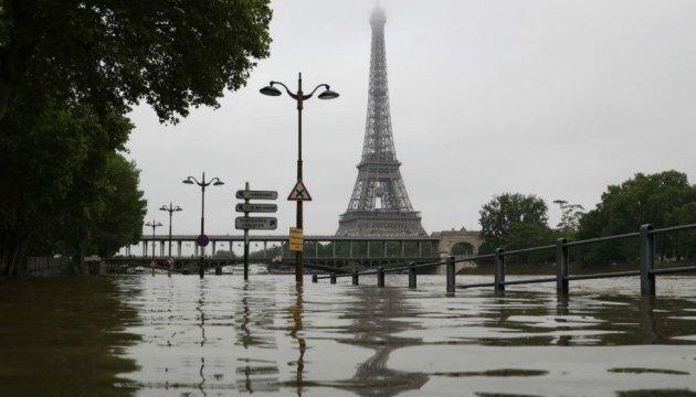 Убытки от наводнения в столичном регионе Франции оценили в €1 миллион