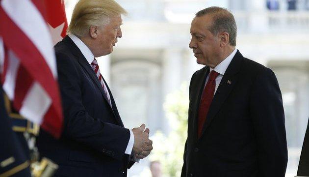 Трамп закликає Ердогана обмежити військову операцію в Сирії