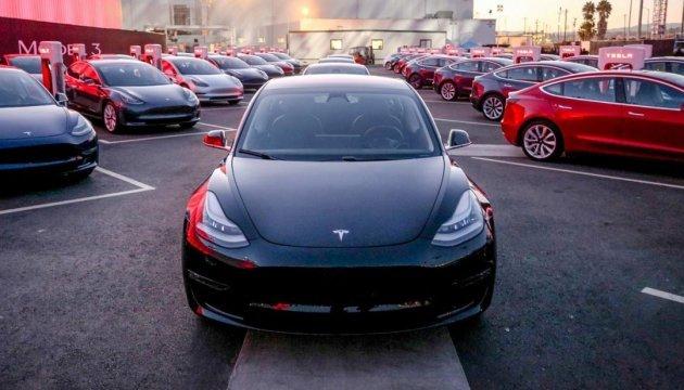 Маск приховує проблеми з випуском електрокарів Model 3 - ЗМІ