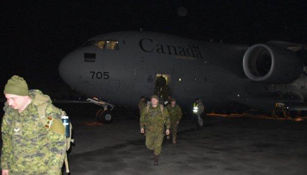 В Украину прибыли еще 50 канадских военных инструкторов