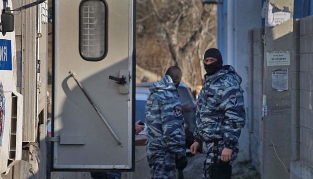 19 raids, 28 detentions, 39 arrests recorded in occupied Crimea this year