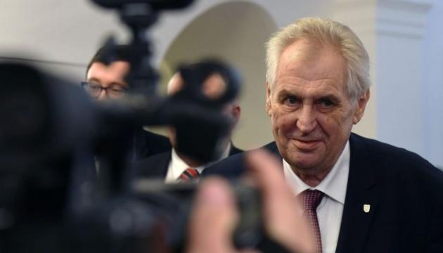 Президент Чехії радить формувати уряд з комуністами та ультраправими