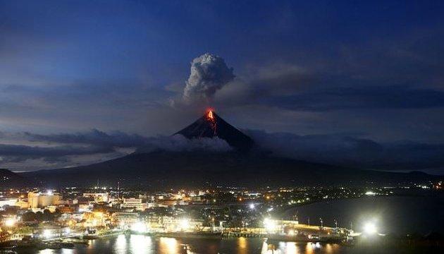 Извержение вулкана Майон: Филиппины эвакуировали 80 тысяч человек