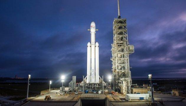 SpaceX провела успешный пуск Falcon 9 со спутником связи