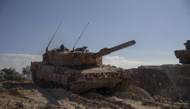 Туреччина вже перекинула танки до кордону з Сирією