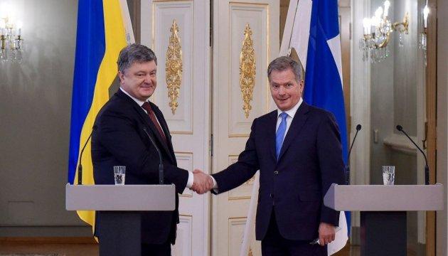 Порошенко поздравил Ниинисте с переизбранием на пост президента Финляндии
