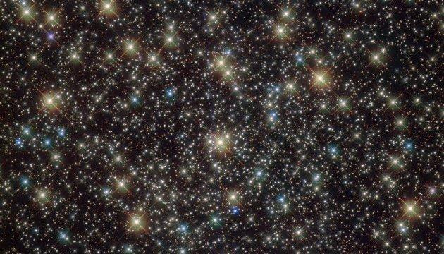 Hubble снял загадочный звездный кластер в созвездии Паруса