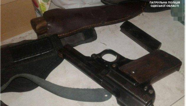 В квартире одессита, устроившего стрельбу в доме, нашли целый арсенал