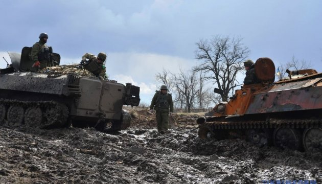 Militants launched three attacks on Ukrainian troops in Donbas in last day