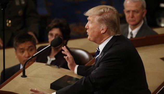 Трамп говорит, что легко найдет адвокатов для