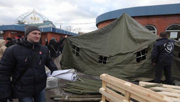 На Харківському люди погрожують безстроковою акцією проти фанерного підприємства