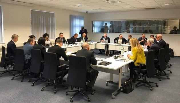 Эффективность реформ МО мы проверяем во время боевых действий на востоке - Полторак