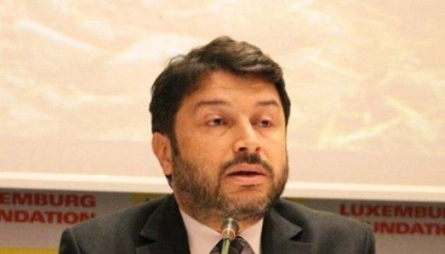 Руководителя филиала Amnesty выпустили из турецкой тюрьмы