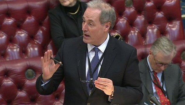 Британский министр уходит в отставку из-за опоздания