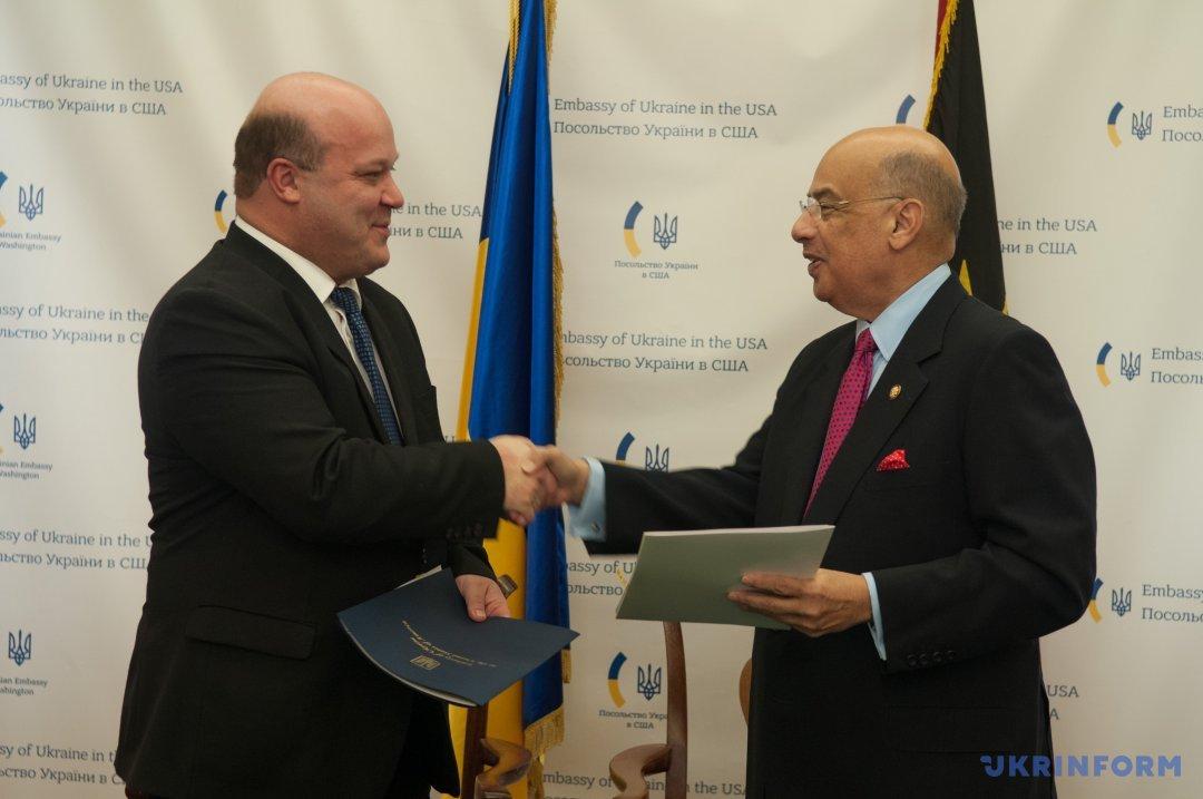 Соглашение о взаимной отмене виз между Украиной и Антигуа и Барбудой подписали послы стран в США - Цензор.НЕТ 2027